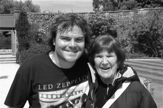Peggy with Jack Black in 2009 at the Pleasure Garden at Blenheim Palace, England