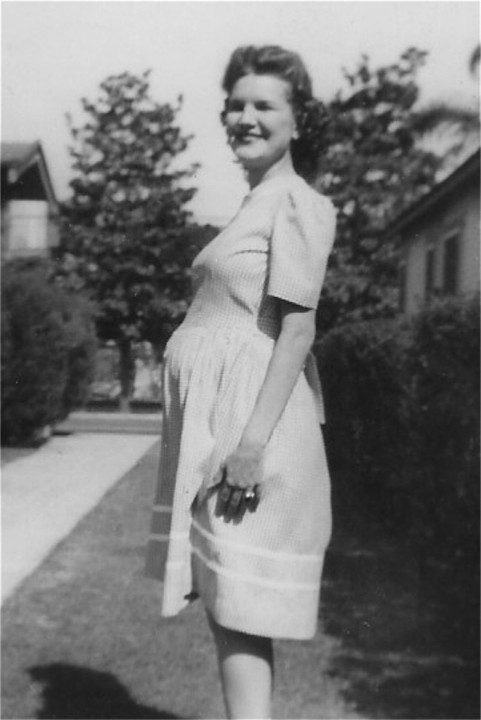 Peggy in 1944, expecting Sandy